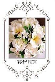 白色の造花で作ったウエディングブーケ